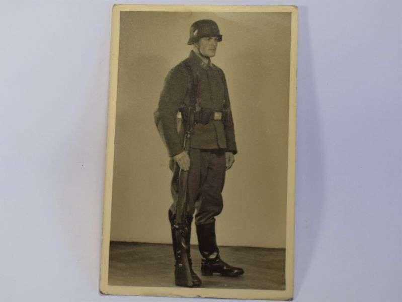 77) Original WW2 German Photo of Soldier with helmet, Rifle, Bayonet etc