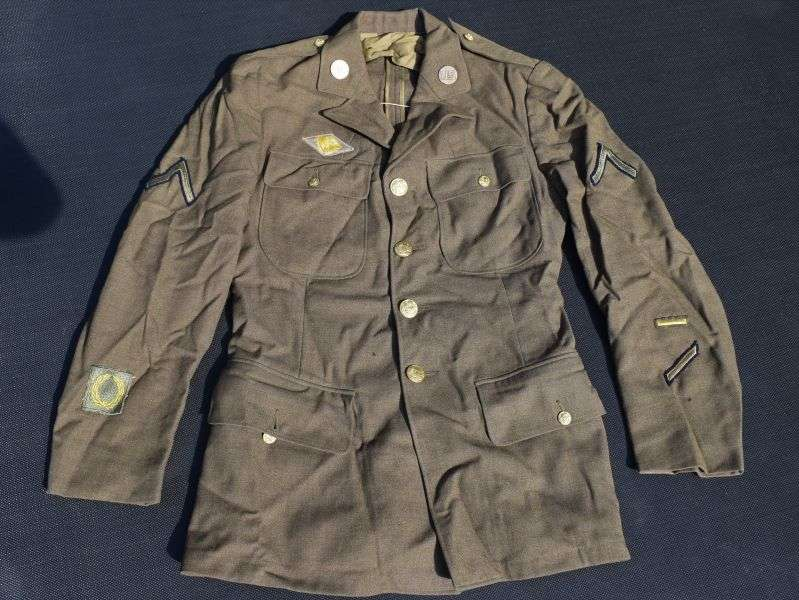 47) Excellent Original WW2 US Army Service Coat Dated Jan 1941