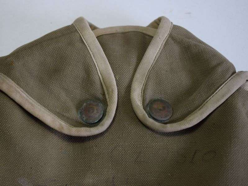 76) Post WW2 USMC Marked Canteen Cover