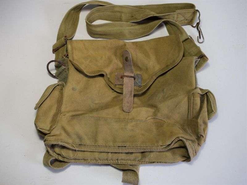 78) Good Original early WW2 French Army Issue Gas Mask Bag