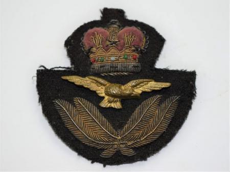 44) Good Original Post WW2 RAF Officers Embroidered Cap Badge