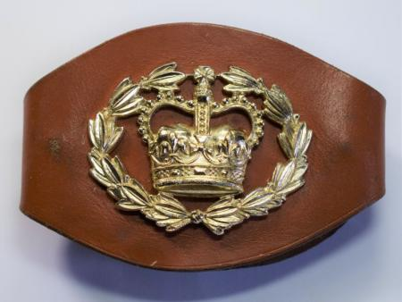 122) Post WW2 Warrant Officer 2nd Class Leather Wrist Rank Band