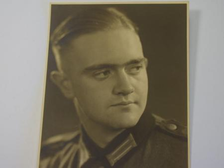 17) Excellent Original Portrait Photo of German Soldier in 1937