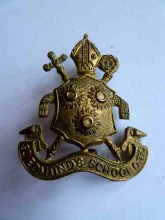 Original WW1 WW2 St Edmunds School OTC Cap Badge