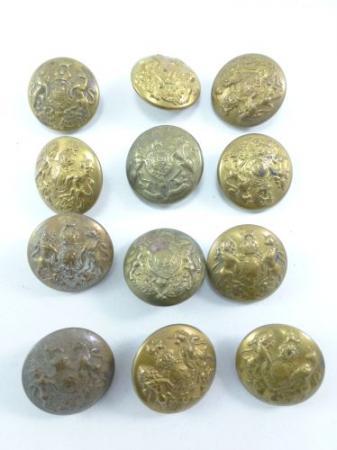 A Set of 12 Original WW1 & WW2 Brass General Service Buttons