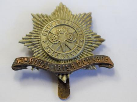 33 Original WW1 WW2 4th Royal Irish D Guards Cap Badge