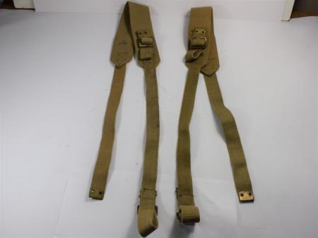 89) Good Matching Pair of WW2 Wireless Set Shoulder Straps
