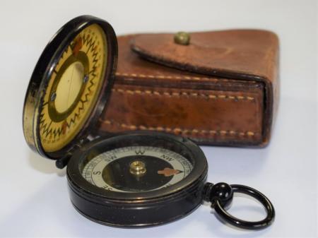 70) Excellent WW1 Brit Officers Magnapole Compass W.F.Dawson 16th W Yorks Regt