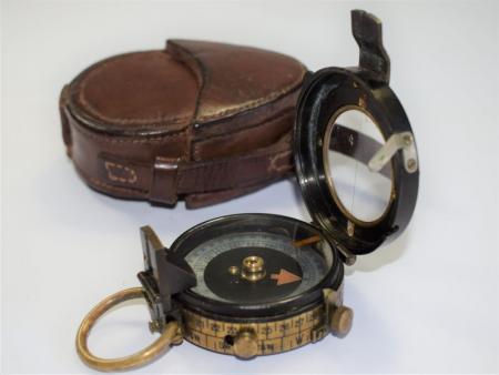 7) Excellent Original WW1 British Officers Verner's Pattern VIII Compass & Case 1918