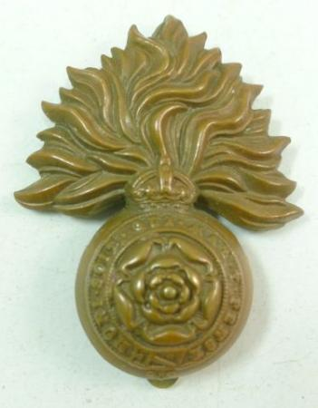 33 Nice WW1 WW2 Royal Fusiliers Cap Badge