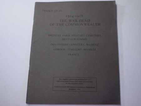 64) Original 1986 War Graves of the British Empire Booklet France 329-331